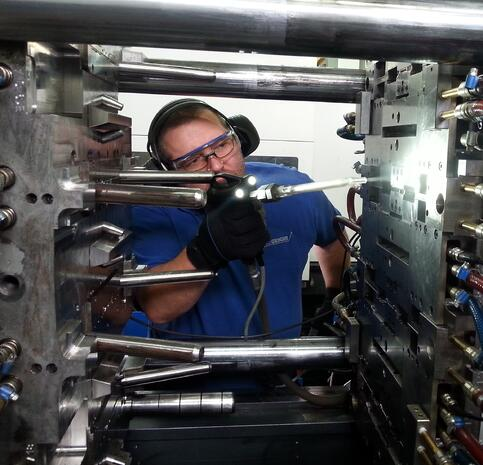 Hans Geiger - Plastic - Injection Mold Cleaning (2)